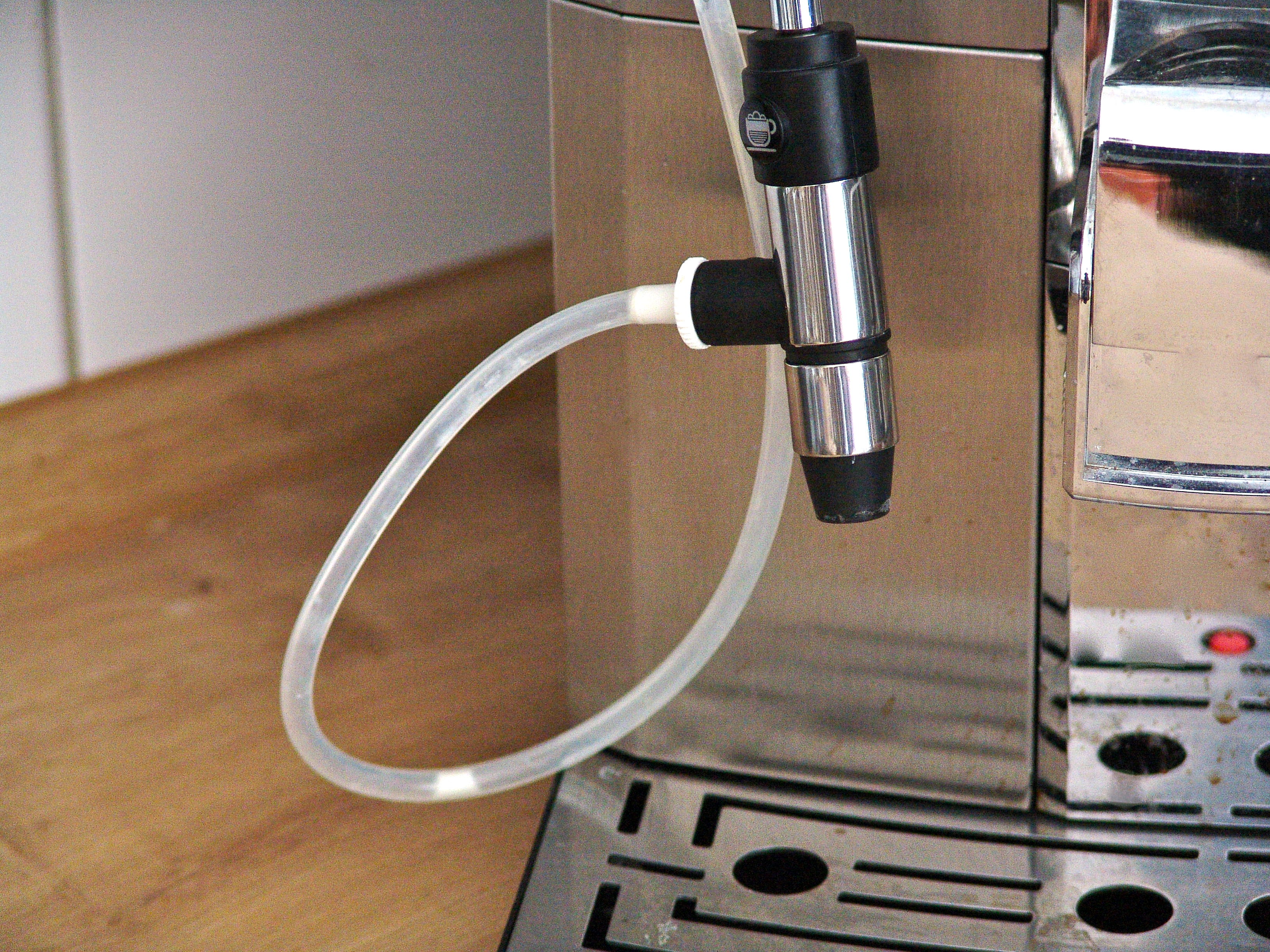 milchschlauch reinigen wie mache ich das richtig fragdenstein de. Black Bedroom Furniture Sets. Home Design Ideas