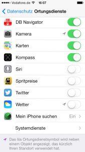 In den iOS-Einstellungen kann man festlegen, welche App die Ortungsinformationen nutzen darf. (Bildrechte: FRAGDENSTEIN.DE/ Stein)