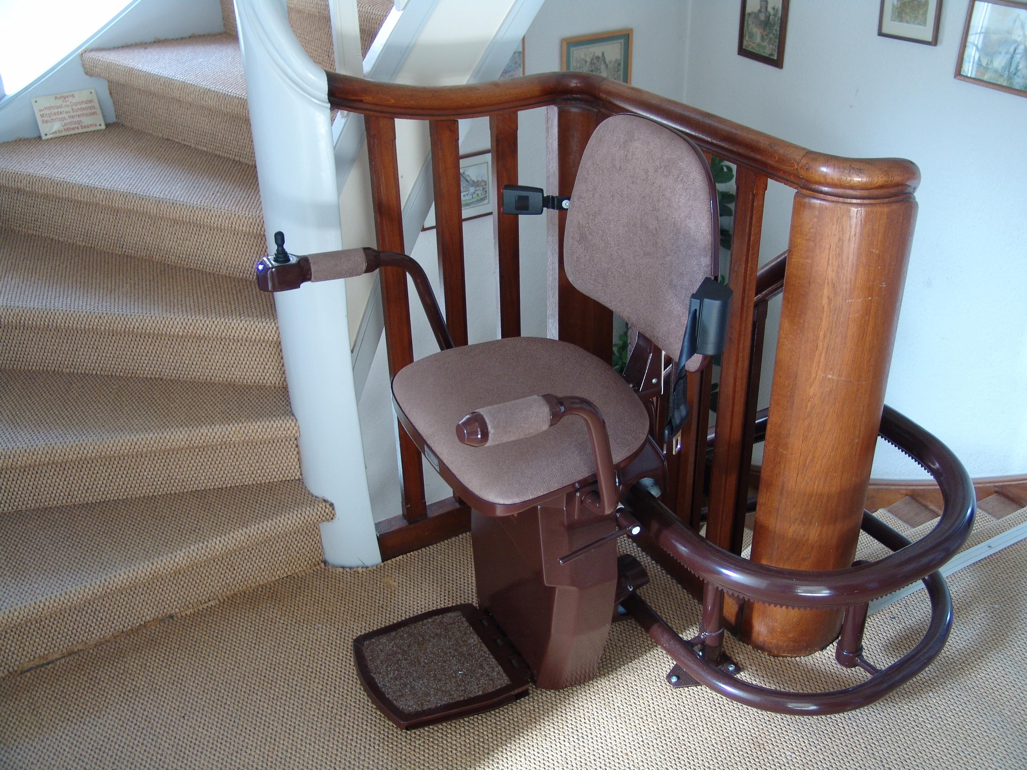 treppenlift kaufen worauf muss ich achten fragdenstein de. Black Bedroom Furniture Sets. Home Design Ideas