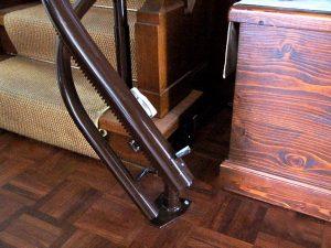 So oder so ähnlich sieht die Ladestation eines Treppenlifts aus. (Bildrechte: FRAGDENSTEIN.DE/ Stein)