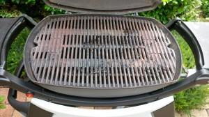 Vor jedem Grillvergnügen heißt es: Grillrost reinigen! (Bildrechte: FRAGDENSTEIN.DE/ Stein)