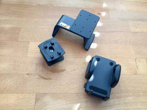 Unser Handyhalter fürs Wohnmobil besteht aus drei Teilen. (Bildrechte: FRAGDENSTEIN.DE/ Stein)